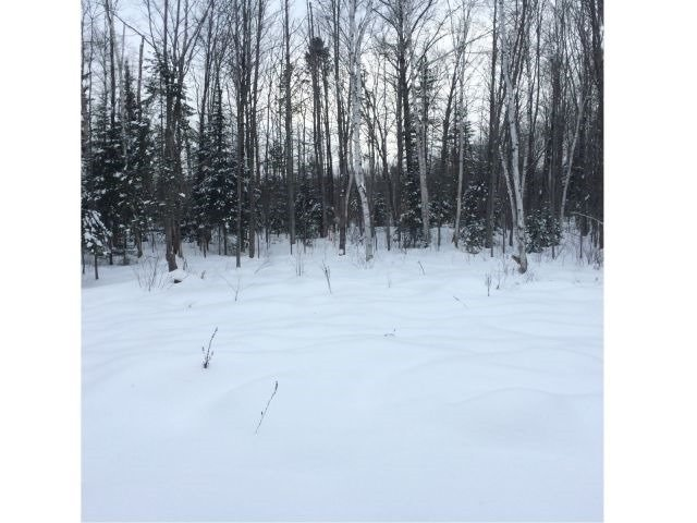 Detached at 34 Gleason Lane, Laurentian Hills, Ontario. Image 8