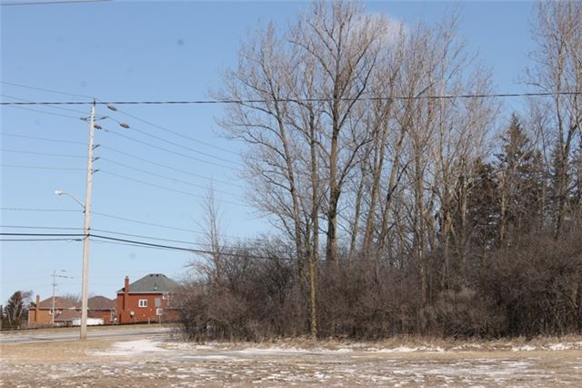 Detached at 187 Colborne West St, Kawartha Lakes, Ontario. Image 8
