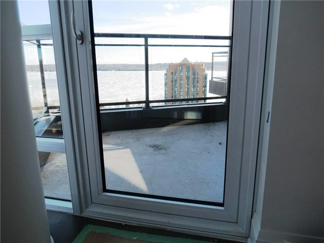 Condo Apartment at 111 Worsley St, Unit Gph5, Barrie, Ontario. Image 16