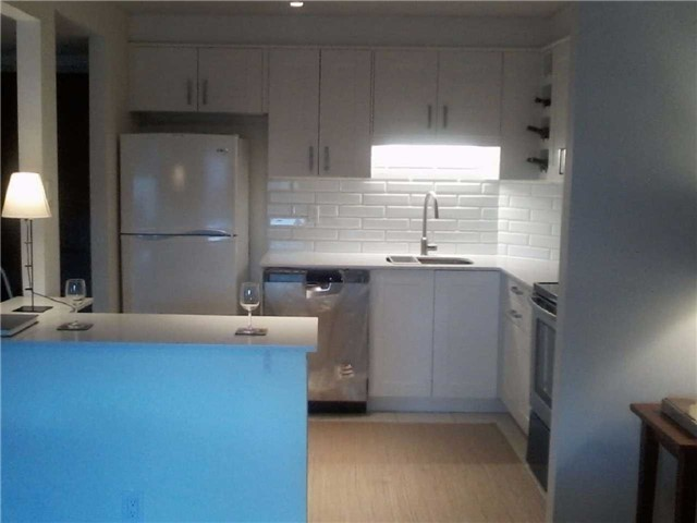 Condo Apartment at 470 Laurier Ave W, Unit 2309, Ottawa, Ontario. Image 15