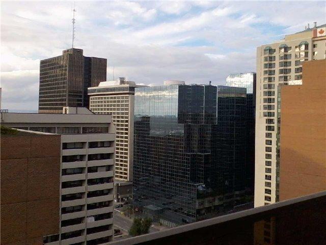 Condo Apartment at 470 Laurier Ave W, Unit 2309, Ottawa, Ontario. Image 7