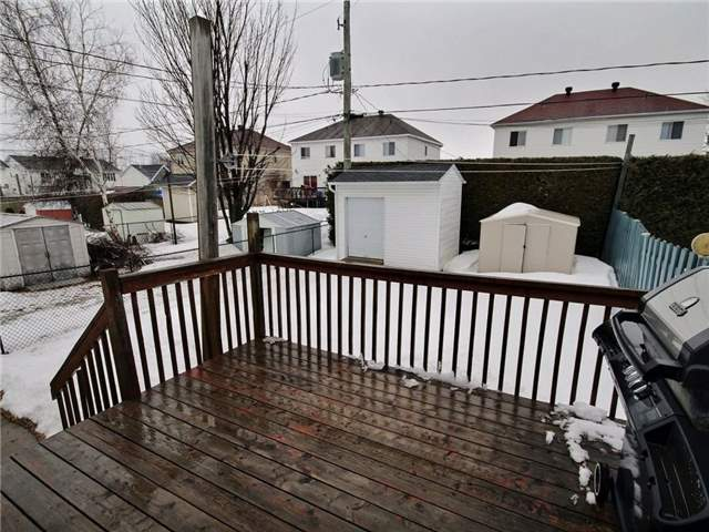 Semi-detached at 423 Desjardins St, Hawkesbury, Ontario. Image 11
