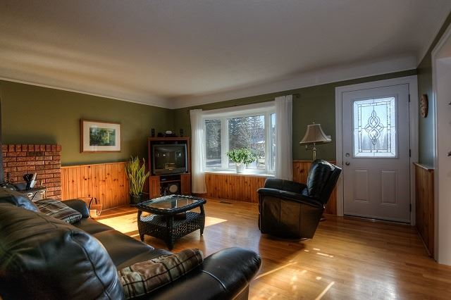 Detached at 30 Northside Dr, Woolwich, Ontario. Image 12