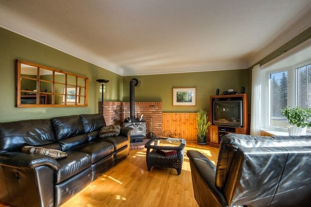 Detached at 30 Northside Dr, Woolwich, Ontario. Image 18