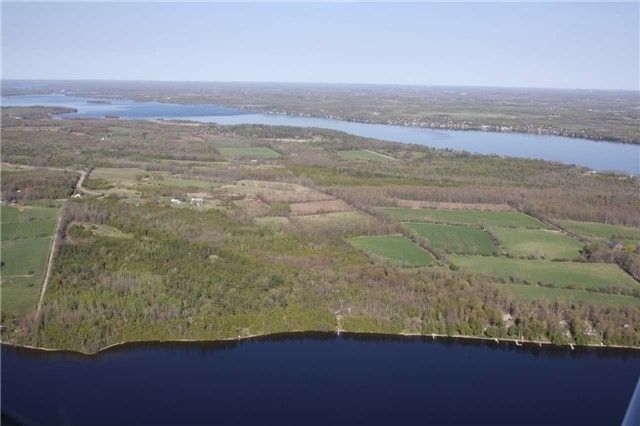Farm at 740 Sturgeon Pt. Rd, Kawartha Lakes, Ontario. Image 1