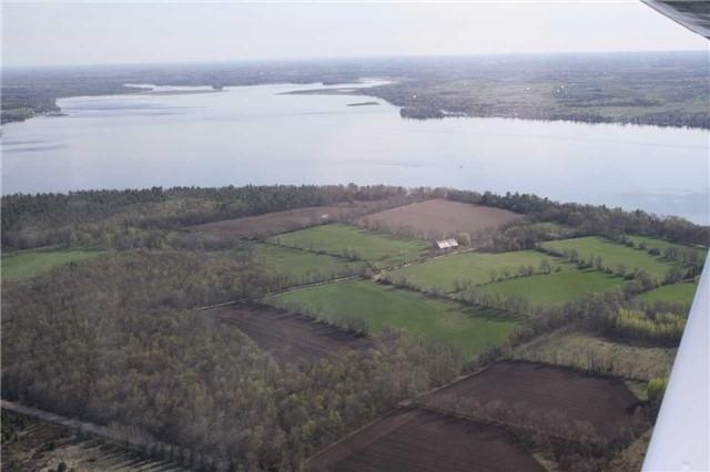 Farm at 740 Sturgeon Pt. Rd, Kawartha Lakes, Ontario. Image 3