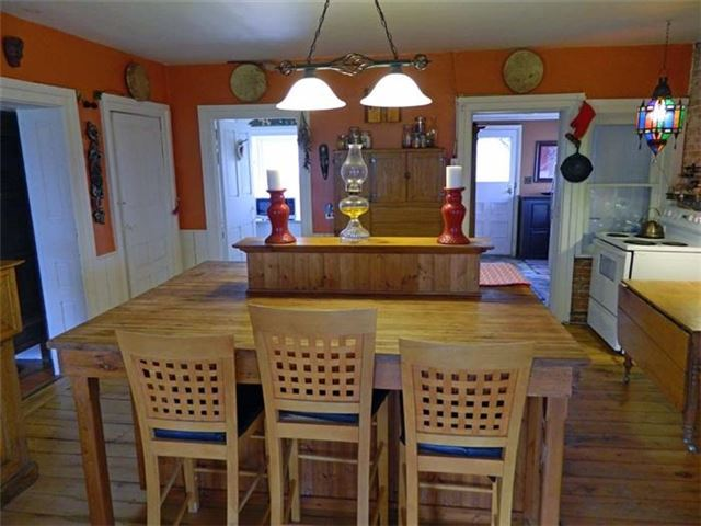 Detached at 14900 Loyalist Pkwy N, Prince Edward County, Ontario. Image 2