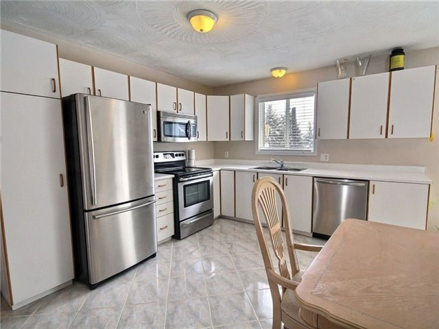 Detached at 2098 Paul Dr, Clarence-Rockland, Ontario. Image 10