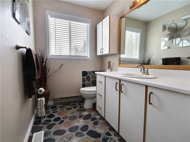 Detached at 2098 Paul Dr, Clarence-Rockland, Ontario. Image 15