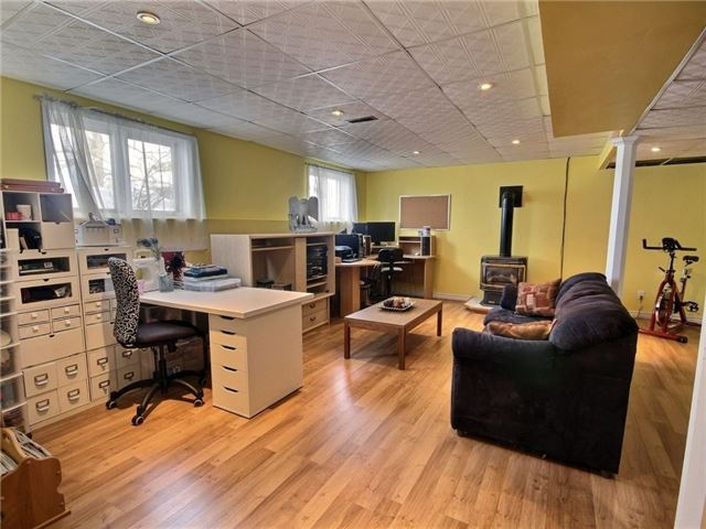 Detached at 2098 Paul Dr, Clarence-Rockland, Ontario. Image 2