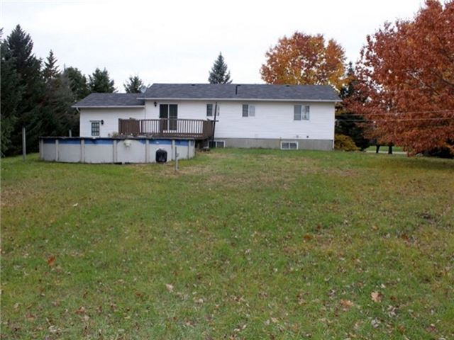 Detached at 2098 Paul Dr, Clarence-Rockland, Ontario. Image 5