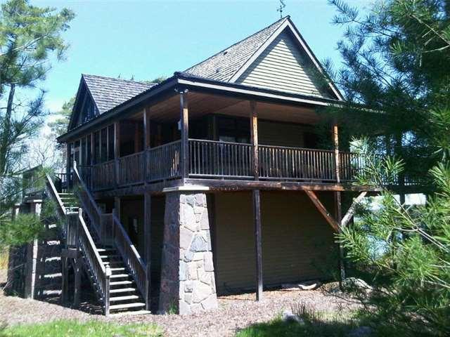 Cottage at 4 Island 2075 St, Georgian Bay, Ontario. Image 4