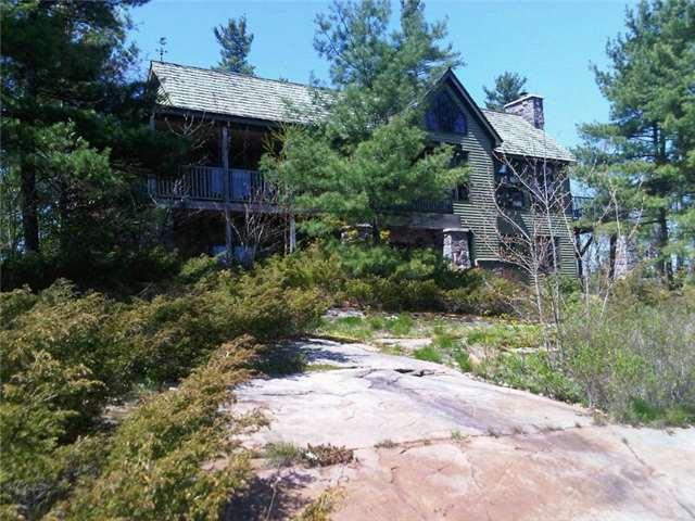 Cottage at 4 Island 2075 St, Georgian Bay, Ontario. Image 5