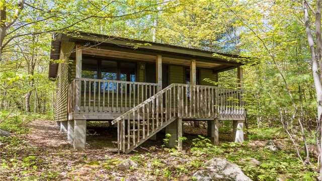 Cottage at 4 Island 2075 St, Georgian Bay, Ontario. Image 6