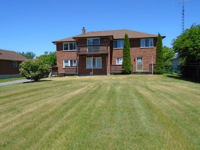 Detached at 132 Hiscock Shores Rd, Prince Edward County, Ontario. Image 5