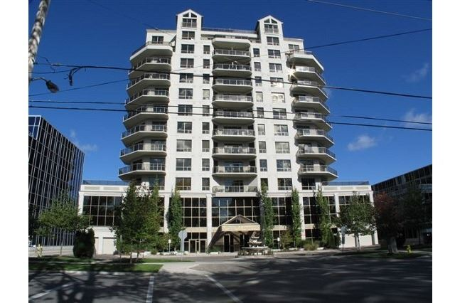 Condo Apartment at 250 Pall Mall St, Unit 408, London, Ontario. Image 1