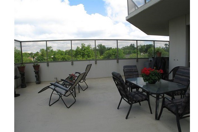Condo Apartment at 250 Pall Mall St, Unit 408, London, Ontario. Image 16