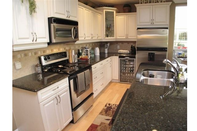 Condo Apartment at 250 Pall Mall St, Unit 408, London, Ontario. Image 3
