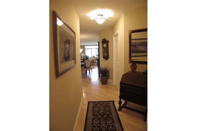 Condo Apartment at 250 Pall Mall St, Unit 408, London, Ontario. Image 5