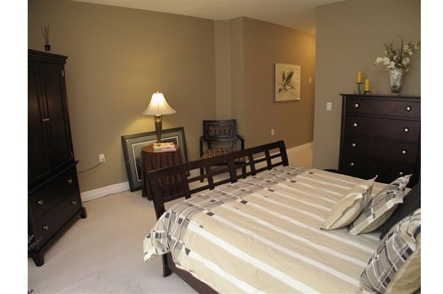 Condo Apartment at 250 Pall Mall St, Unit 408, London, Ontario. Image 7