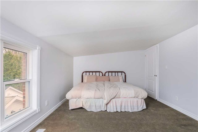 Detached at 29 Brook Rd S, Cobourg, Ontario. Image 4