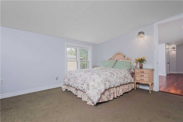 Detached at 29 Brook Rd S, Cobourg, Ontario. Image 6