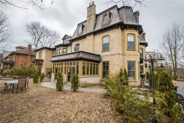 Detached at 359 Hunter  St W, Peterborough, Ontario. Image 12