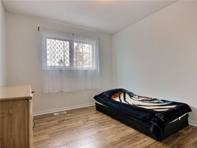 Condo Townhouse at 2111 Montreal Rd, Unit 48, Ottawa, Ontario. Image 10