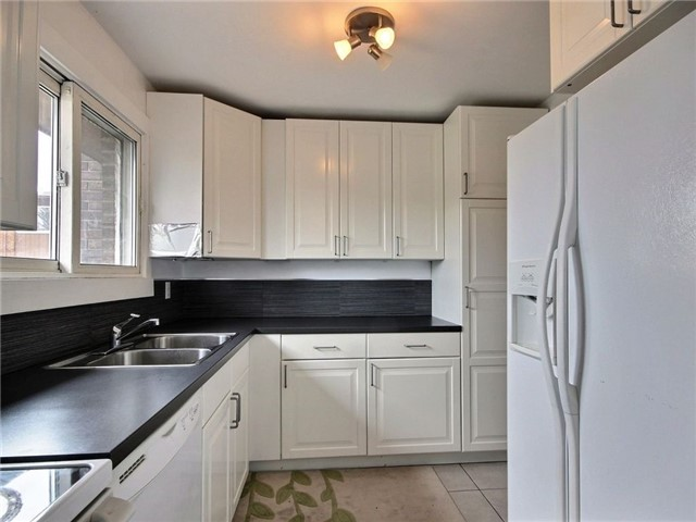 Condo Townhouse at 2111 Montreal Rd, Unit 48, Ottawa, Ontario. Image 14