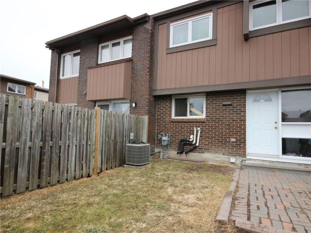 Condo Townhouse at 2111 Montreal Rd, Unit 48, Ottawa, Ontario. Image 13