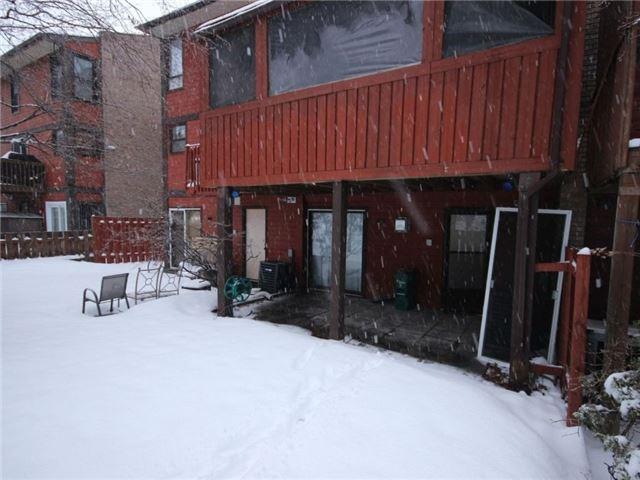 Townhouse at 34 Marielle Crt, Ottawa, Ontario. Image 12