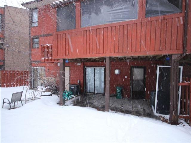 Townhouse at 34 Marielle Crt, Ottawa, Ontario. Image 13