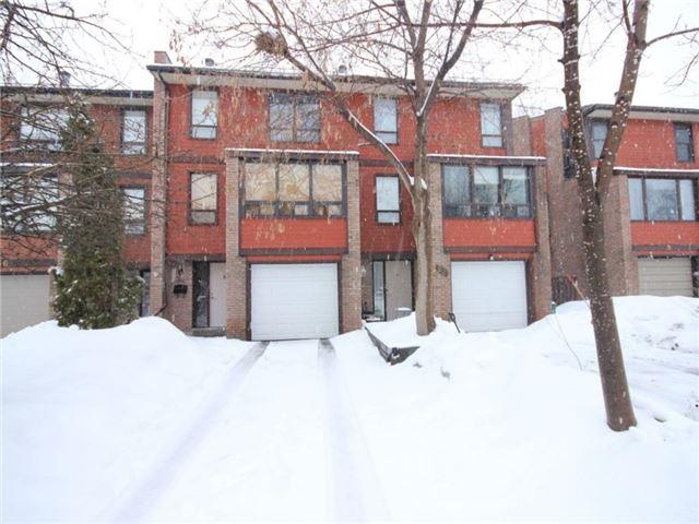 Townhouse at 34 Marielle Crt, Ottawa, Ontario. Image 5