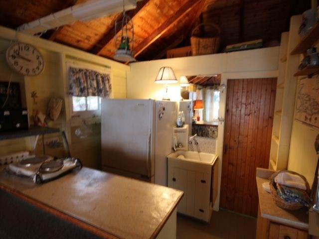Cottage at 162 River Rd, Leeds & the Thousand Island, Ontario. Image 5