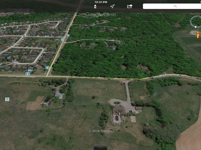 Detached at 734 Jerseyville Rd W, Hamilton, Ontario. Image 4
