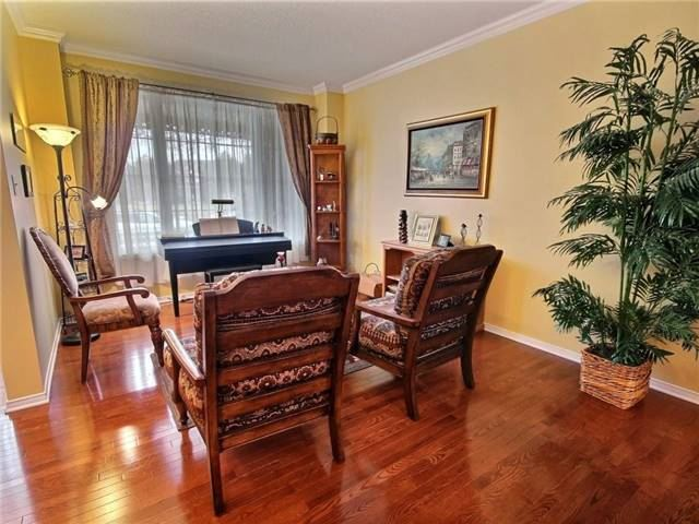 Detached at 2152 Repentigny Dr, Ottawa, Ontario. Image 12