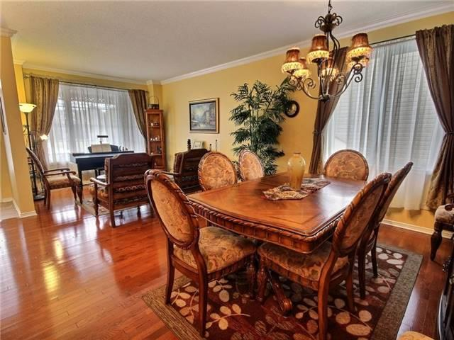 Detached at 2152 Repentigny Dr, Ottawa, Ontario. Image 14