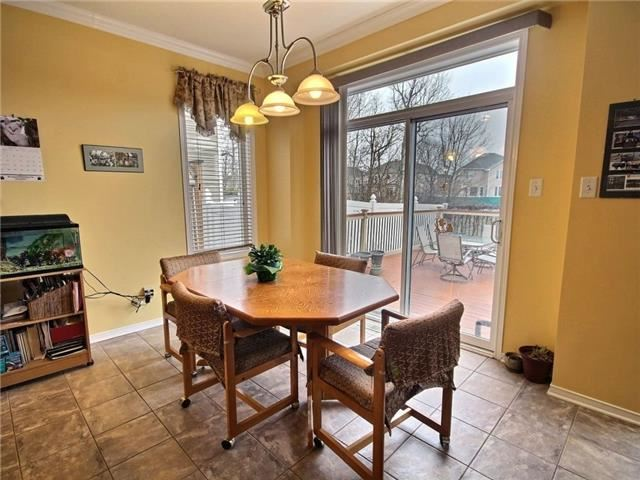 Detached at 2152 Repentigny Dr, Ottawa, Ontario. Image 16