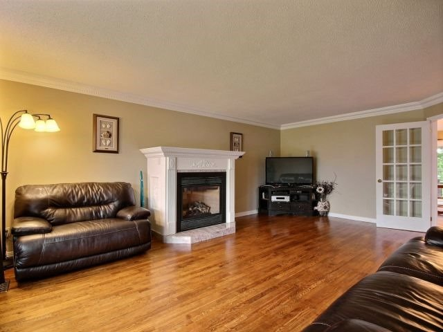 Detached at 2780 Pierrette Dr, Ottawa, Ontario. Image 6