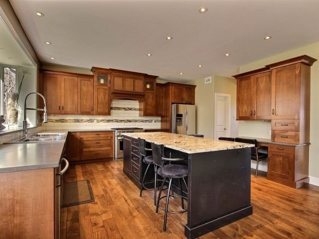 Detached at 1835 Whitemarsh Cres, Ottawa, Ontario. Image 13