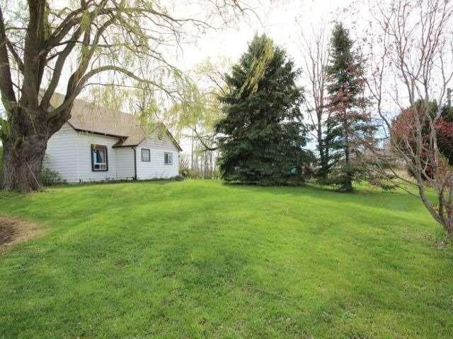 Detached at 1293 Gore Rd, Essex, Ontario. Image 10