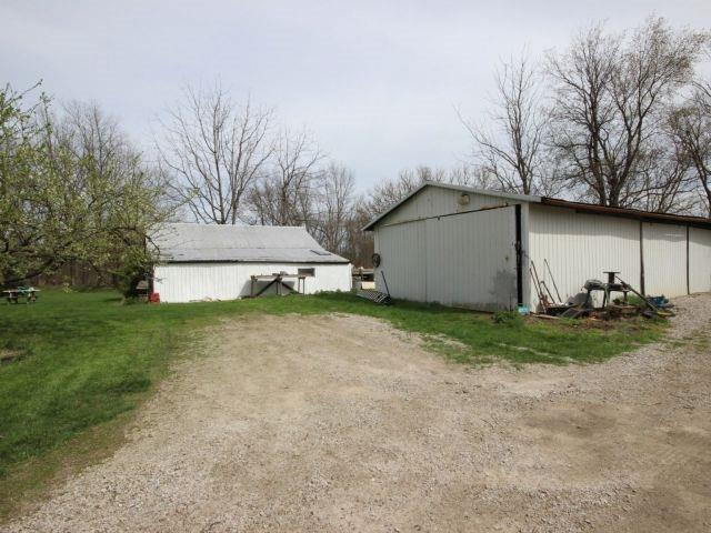 Detached at 1293 Gore Rd, Essex, Ontario. Image 13