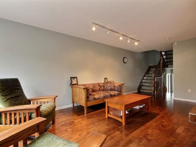 Condo Townhouse at 485 Green Rd, Unit 67, Hamilton, Ontario. Image 12