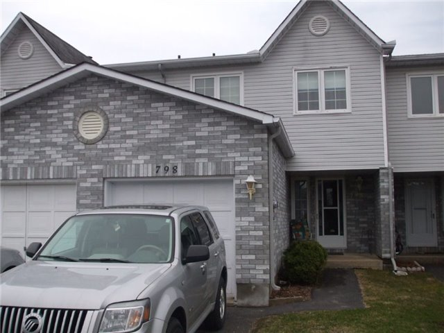 Townhouse at 798 Cote St, Clarence-Rockland, Ontario. Image 1