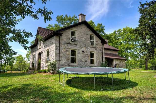 Detached at 4297 Victoria Rd S, Puslinch, Ontario. Image 4