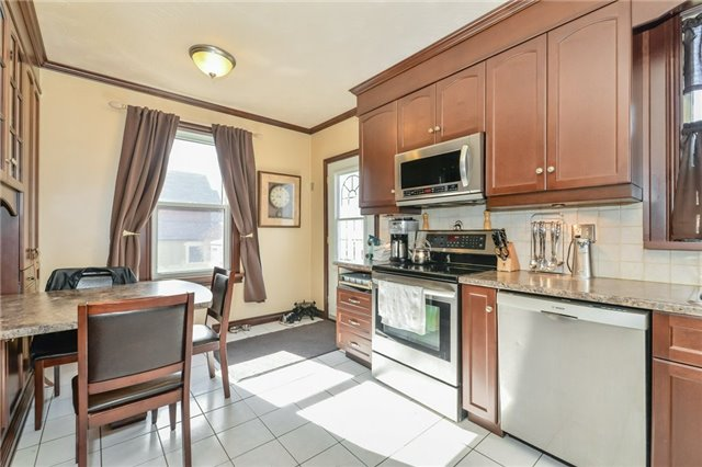 Detached at 113 Johnston  St, Guelph, Ontario. Image 15