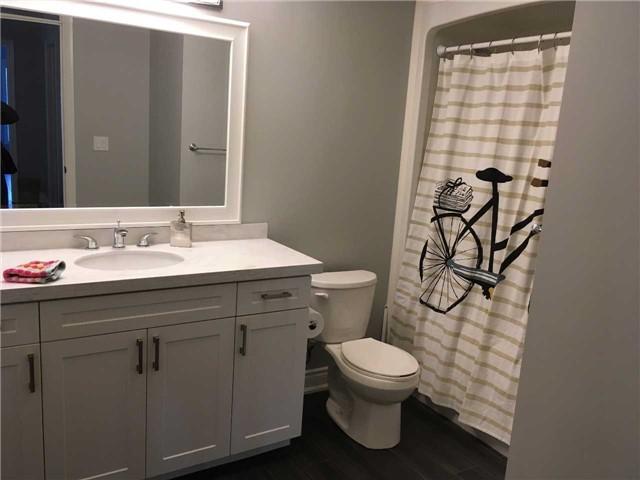 Condo Apartment at 4 Lake Ave, Unit 204, Dysart et al, Ontario. Image 12