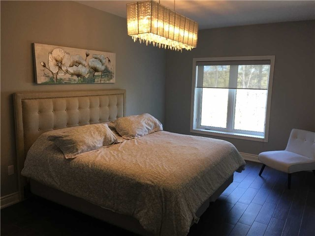 Condo Apartment at 4 Lake Ave, Unit 204, Dysart et al, Ontario. Image 13