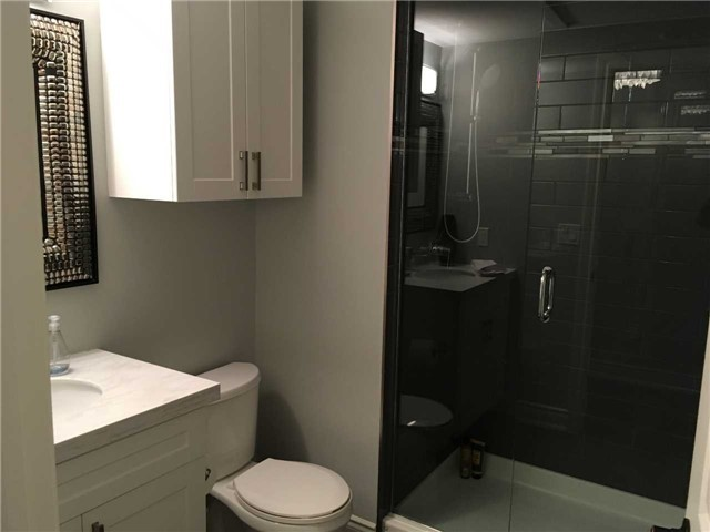 Condo Apartment at 4 Lake Ave, Unit 204, Dysart et al, Ontario. Image 14