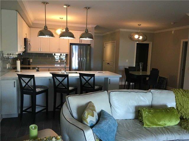Condo Apartment at 4 Lake Ave, Unit 204, Dysart et al, Ontario. Image 2